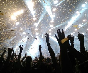 all time low, concerts, and hands up image