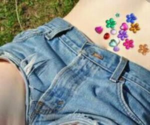 flores, short, and estoperoles image
