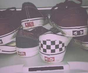 black, checker, and pink image