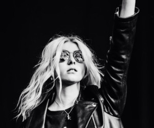 Taylor Momsen, the pretty reckless, and hard rock image
