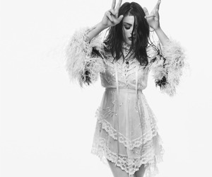 black and white, model, and frances bean cobain image