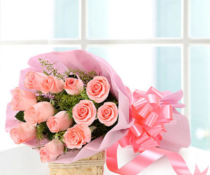 valentine flowers for her image