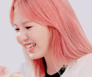 pink hair, red velvet, and wendy image
