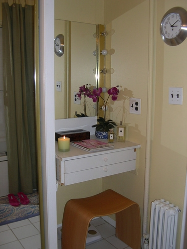 apartment, apartmenttherapy, and bathroom image