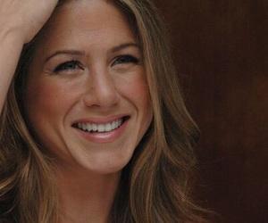 Jennifer Aniston image