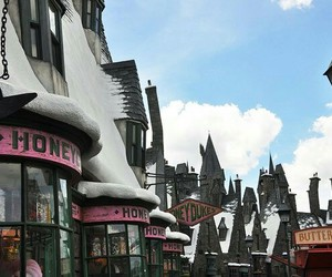 harry potter, snow, and town image