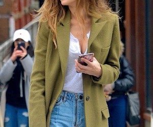 gigi hadid, model, and street style image