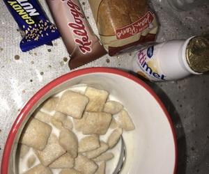 pain au chocolat, céréales, and actimel image