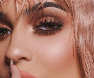 celebrity, eye makeup, and king kylie image