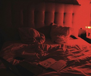 red and bed image
