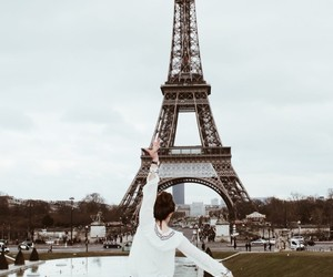 fit, france, and girl image