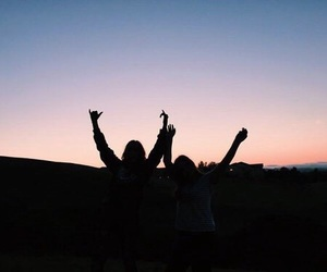 grunge, friendship, and sky image