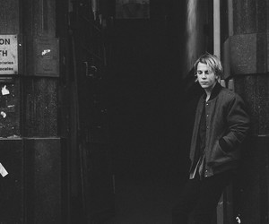tom odell, music, and black and white image