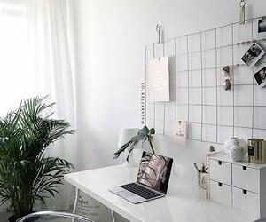 minimal and room image