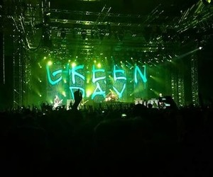 concert and green day image