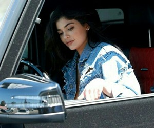car and kylie jenner image