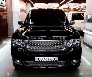 black, car, and rangerover image