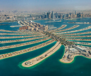 Dubai and population of dubai image