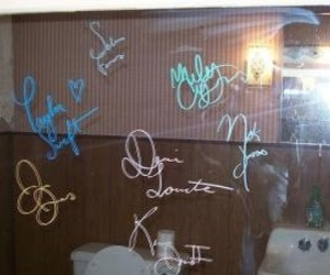 autograph, miley cyrus, and Swift image