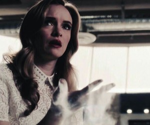 danielle panabaker, dc comics, and the flash image
