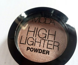 fashion, makeup, and highlighter image
