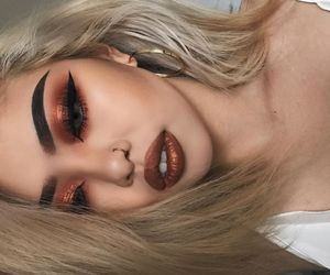 makeup, lips, and eyebrows image
