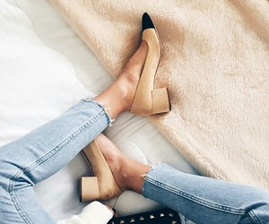 style and zara shoes image