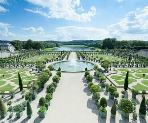 palace of versailles and versailles image