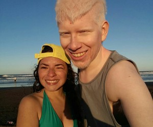 albino, blanco, and chicas image