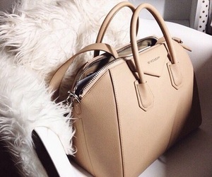bag and chic image
