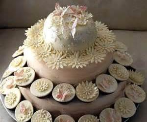 wedding cupcakes and cupcake wedding cake image