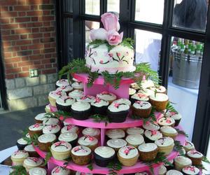 wedding cupcakes image