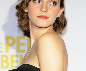 actress, hairstyle, and red carpet image