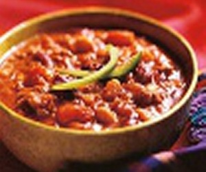 chili, super bowl, and slow cooker image