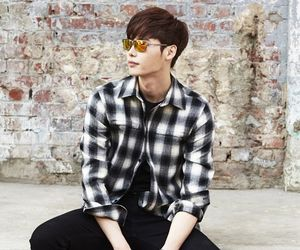 lee jong suk and actor image