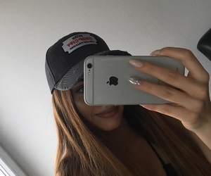 girl and selfie image