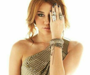 miley cyrus, stay, and miley cyrus photoshoot image