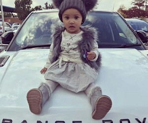 baby and range rover image