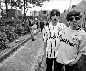 oasis, noel gallagher, and liam gallagher image