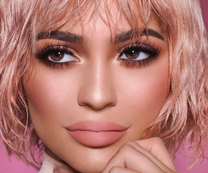 kylie jenner and kylie cosmetics image