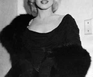Marilyn Monroe, black and white, and diva image