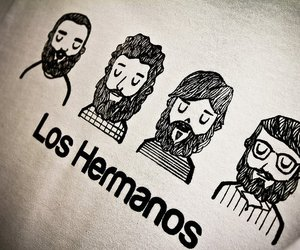 los hermanos and music image