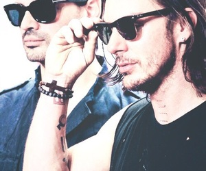 shannon leto, tomo milicevic, and 30 seconds to mars image