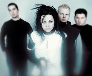 2003, evanescence, and amy lee image