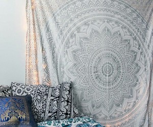 bed and bohemian+room image