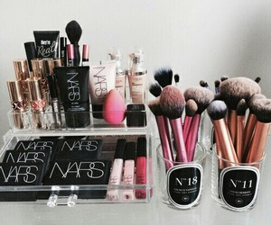makeup, nars, and realteqcniques image