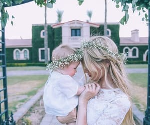 baby, amber fillerup, and family image