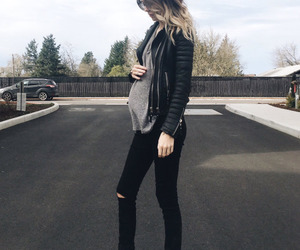 outfit, pregnant, and acacia image
