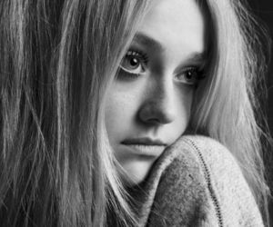 dakota fanning, black and white, and blonde image
