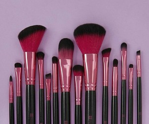 girl, maquillaje, and pink image